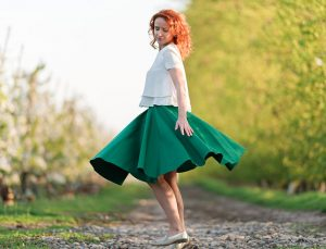 RIVICA_kolekcia-SS2018_kruhova-sukna_zelena